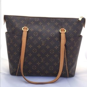 💎 Authentic Louis Vuitton Totally MM in Monogram